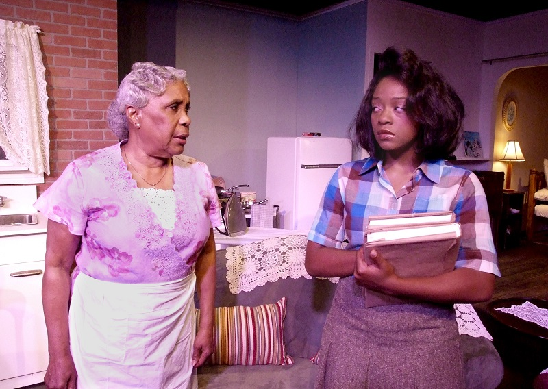 Staretta DuPois and Charlotte Williams in A Raisin in the Sun at Ruskin  Group Theatre (photo by Ed Krieger)