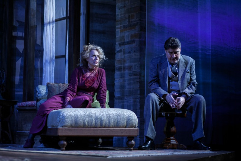 Jane Kaczmarek and Alfred Molina in  Long Day's Journey into Night at the Geffen Playhouse (photo courtesy Geffen Playhouse)