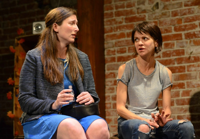 Allison Youngberg and Susan Louise O'Connor in Thanksgiving at the Lounge Theatre (Photo by Cali Bloomberg)